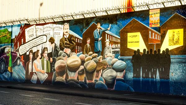 Murales de Belfast tour en taxi negro