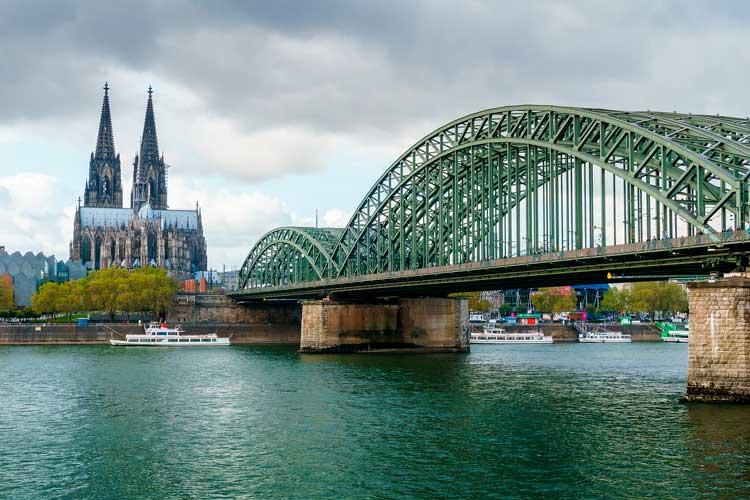 Como llegar del aeropuerto de Colonia-Bonn al centro